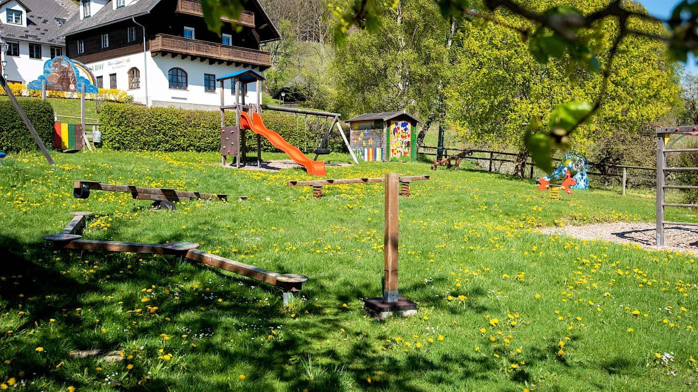 Frühling am Ponyhof